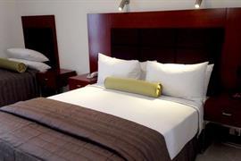 97442_006_Guestroom