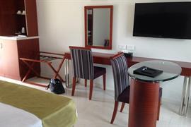 97442_007_Guestroom