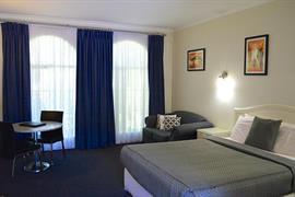 90665_007_Guestroom