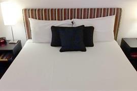 90503_006_Guestroom