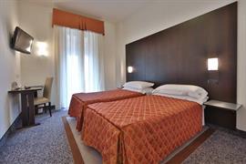 98236_004_Guestroom