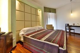 98236_005_Guestroom