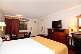 05609_007_Guestroom