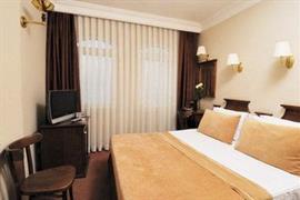 78004_002_Guestroom
