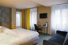 93807_006_Guestroom