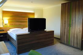 95451_005_Guestroom
