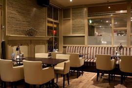 92694_004_Restaurant