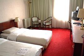 92571_006_Guestroom