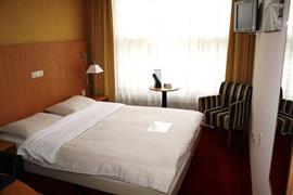 92571_007_Guestroom