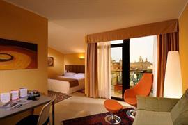 98097_003_Guestroom