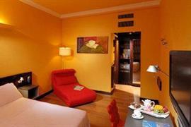 98097_004_Guestroom