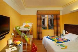98097_005_Guestroom