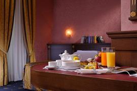 98124_005_Guestroom