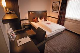95440_006_Guestroom