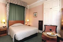 clifton-hotel-bedrooms-04-83677