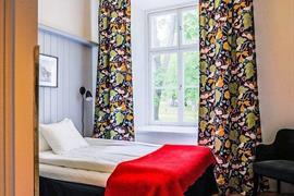 88201_001_Guestroom