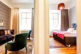 88201_005_Guestroom