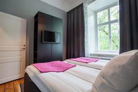 88201_007_Guestroom