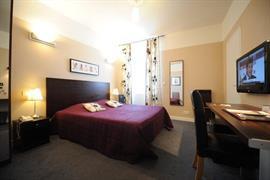 93090_004_Guestroom