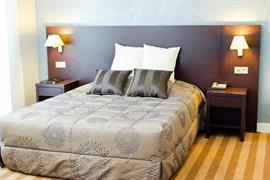 93090_006_Guestroom
