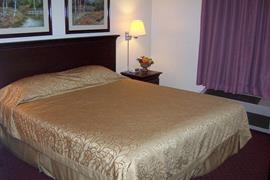 05031_004_Guestroom
