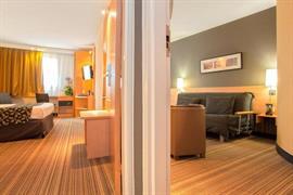 93576_004_Guestroom