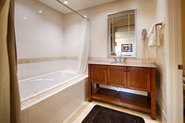 02006_006_Guestroom