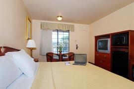 05477_006_Guestroom