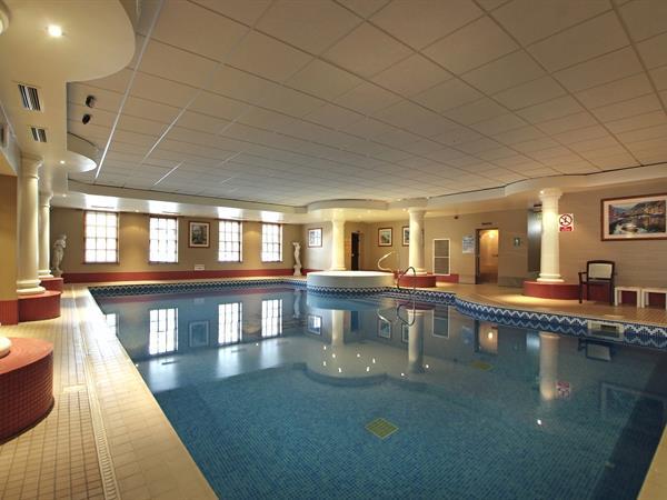 crown-hotel-leisure-04-83682