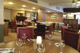 crown-hotel-dining-08-83682