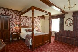 crown-hotel-bedrooms-27-83682