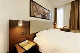 92718_003_Guestroom