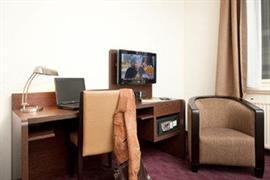 92718_007_Guestroom