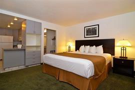 05215_011_Guestroom