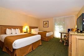 05215_013_Guestroom