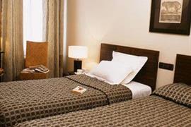 93079_005_Guestroom