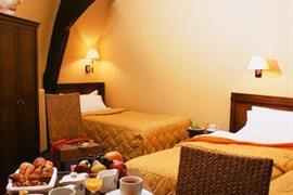 93079_006_Guestroom