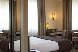 93098_004_Guestroom