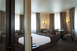 93098_005_Guestroom