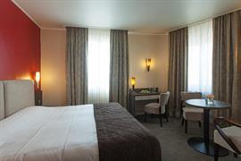 93098_006_Guestroom