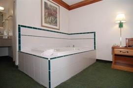 44298_006_Guestroom