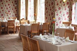 deincourt-hotel-dining-06-83932