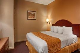 19044_007_Guestroom