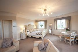 derwent-manor-hotel-bedrooms-05-83826