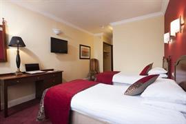 84082_006_Guestroom