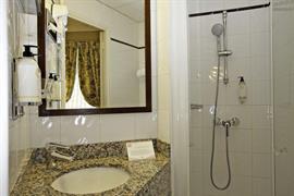 93530_005_Guestroom