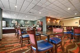36152_004_Restaurant