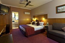 90713_003_Guestroom