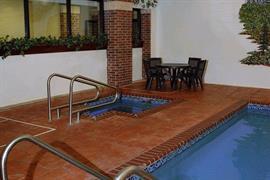 37094_002_Pool