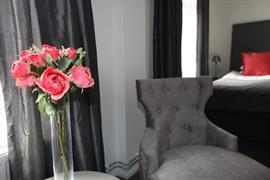 88126_008_Guestroom